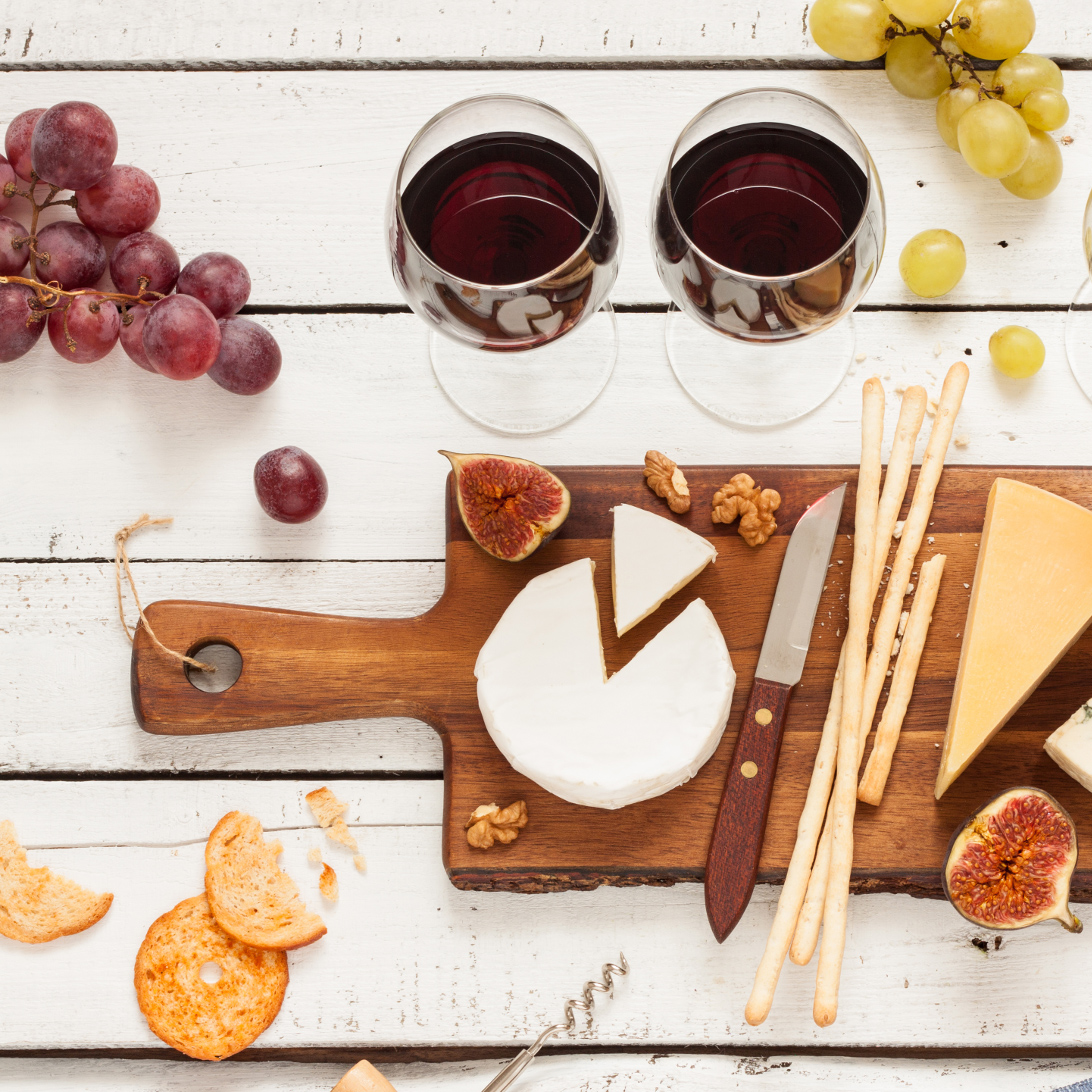 Wine and Cheese Pairing Tips for Summer Entertaining
